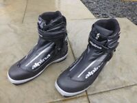 ALPINA NORDIC / CROSS-COUNTRY SKI BOOTS SIZE 39