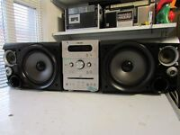 SONY MIDI HIFI CENTRE CMT-GPX5 WITH SHARP SPEAKERS VERY LOUD