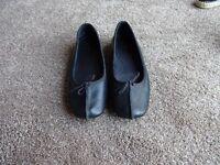 Clarkes black leather ballet style pumps – size 6 ½ - 40