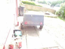 small trailer 5x4 aprox