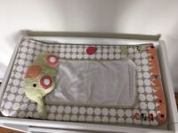Mamas and Papas white CHANGING TABLE