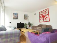 Fantastic Four Double Bedroom House In Raynes Park With Off Road Parking !!!!!