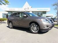2013 Nissan Pathfinder SV *Rear View Camera,Heated Seats,7 Passe