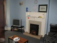 All bills included. Large room available in shared Professional / postgrad house in Nether Edge