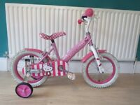 GREAT GIRLS 14 INCH WHEELED BIKE. WITH STABILISERS HELLO KITTY.FULLY WORKING IN GREAT CONDITION.