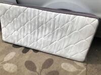 3ft single mattress VGC . Can deliver.