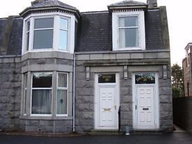 3 bedroom properties for weekly or monthly rental. Cults & Portlethen area. Parking & Wifi
