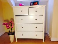 White Westport chest of drawers in great comdition