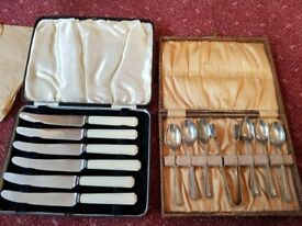 Two boxed vintage cutlery sets