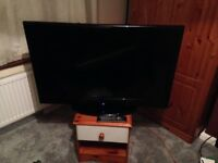 40 inch LCD tv HD ready with remote control. HDMI cable not included