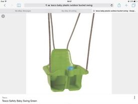 TESCO GREEN BABY SAFETY BUCKET PLASTIC GARDEN ROPE SWING WITH SQUEEKY FRONT BLUE HORN BRAND NEW