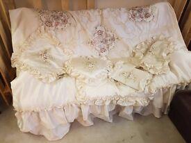 Wedding bedding set for sale