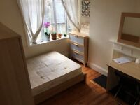 a DOUBLE ROOM for a single person very close to City and Central London with cleaner, 2xbathroom