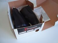 Womens uk size 7 STEEL TOE CAPPED work shoes. Black. Toesavers safety shoes