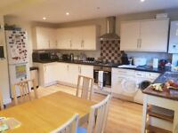 3 bedroom house with off street parking in Woolwich SE18 a short walk from transprt links and shops