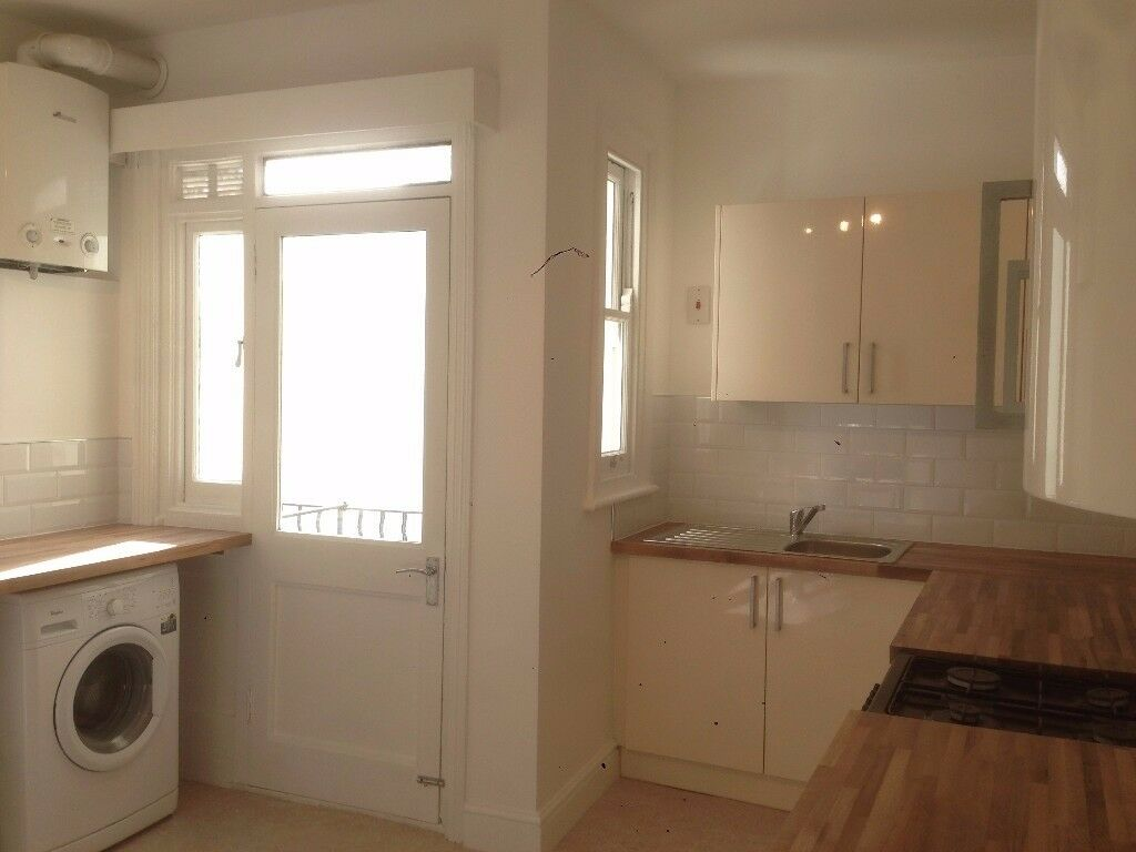 Fantastic unfurnished 3 double bed, mansion flat in Maida ...