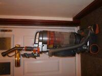 Vacuum Cleaner Vax Bagless multi cyclone 1600w