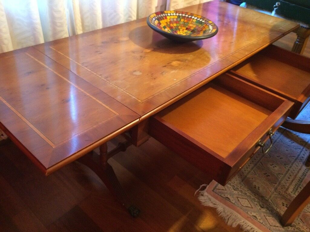 Large Extendable Wooden Coffee Table RRP: 350