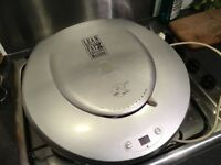 George Foreman grilling machine Family size 35cm square wth heat control and timer. Used twice