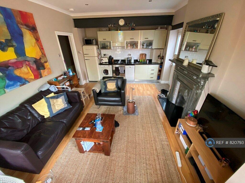 1 bedroom flat in Spencer Road, South Croydon, CR2 (1 bed ...