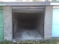 Garage with power in central location for rent