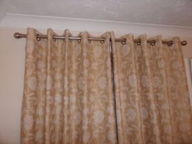 Lovely Eyelet Gold and Cream Patterned Curtains With Linings In Excellent Condition.