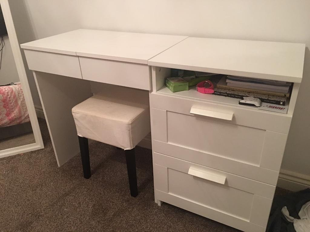 Dressing table with drawers & stool