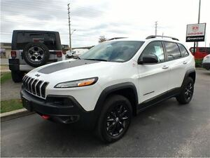2016 Jeep Cherokee Trailhawk**DEMO* 0% FIN FOR 7 YRS**