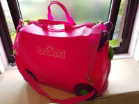 Trunki Ride On Suitcase in Trixie Pink
