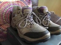 Ladies/Gents Walking Boots