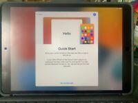 Apple iPad Pro 10.5 256GB + keyboard + Apple pencil