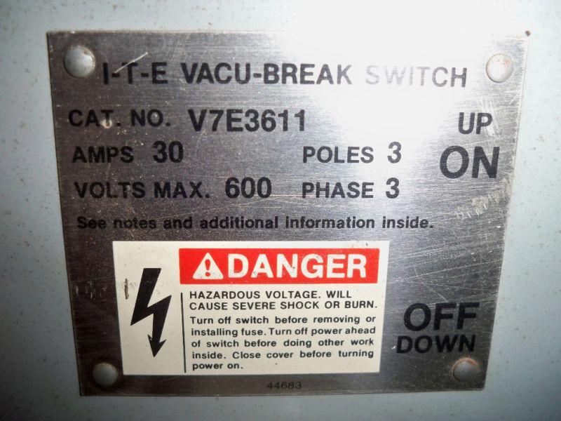 Ite / Siemens V7e3611 30a Twin 600v Panelboard Switch