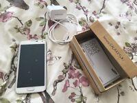 Samsung S5 white mobile phone