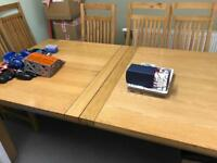 Large m&s oak table and 6 chairs