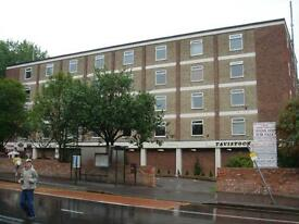 Well Presented 1 Bedroom furnished Student flat at TAVISTOCK COURT.