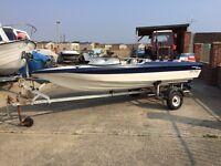 globle sabre speed boat