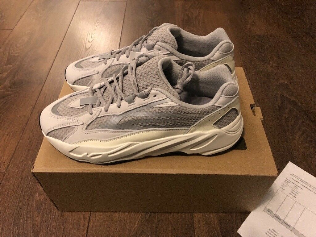new product 48cd9 1f01c MENS OFFICIAL ADIDAS YEEZY BOOST 700 V2 STATIC UK 10.5 350 500 AUTHENTIC |  in Putney, London | Gumtree