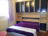 Double bedroom near Oval tube station