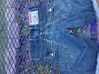 True Religion Brand Jeans Section Nathan ( short)(size 32)