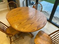 Extending kitchen table and 4 chairs