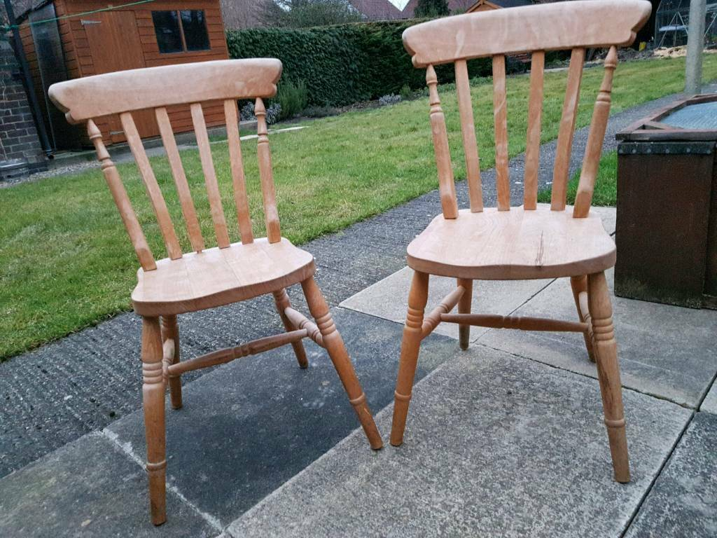 Two antique pine vintage/farmhouse dining kitchen chairs - Two Antique Pine Vintage/farmhouse Dining Kitchen Chairs In York