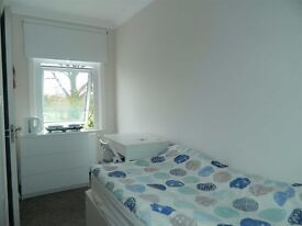 Newly Renovated Studios - Harrow / Pinner Road - £700 All Bills included