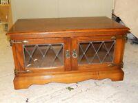 Homecharm oak TV cabinet - exellent condition, £35.00, delivery 30 miles £5.00 - phone 01371238536