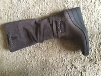 Ugg Lesley Brown Leather Boot Worn Once