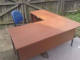 """office desk table .corner unit with optional chair seat stool, can deliver to norwich. x59""""x70"""""""