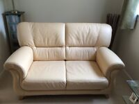 3 Piece Leather Suite in Excellent Condition