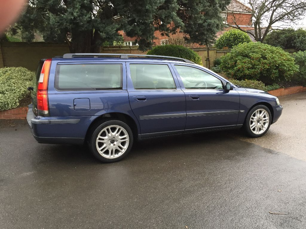 volvo v70 se automatic estate full leather trim in woodford london gumtree. Black Bedroom Furniture Sets. Home Design Ideas