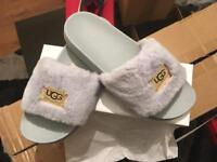 UGG SLIPPERS WHOLESALE