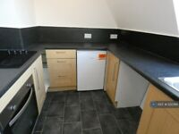 1 bedroom flat in Broad Row, Great Yarmouth, NR30 (1 bed) (#1212366)