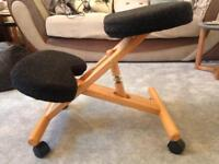 Ergonomic kneeling chair in black
